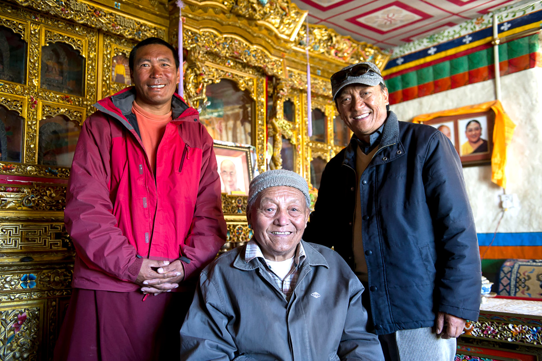 Lo-Manthang König Jigme Palbar Bista, Prinz Jigme Singhe und Lama Ngawang Kunga Bista (c) Manuel Bauer